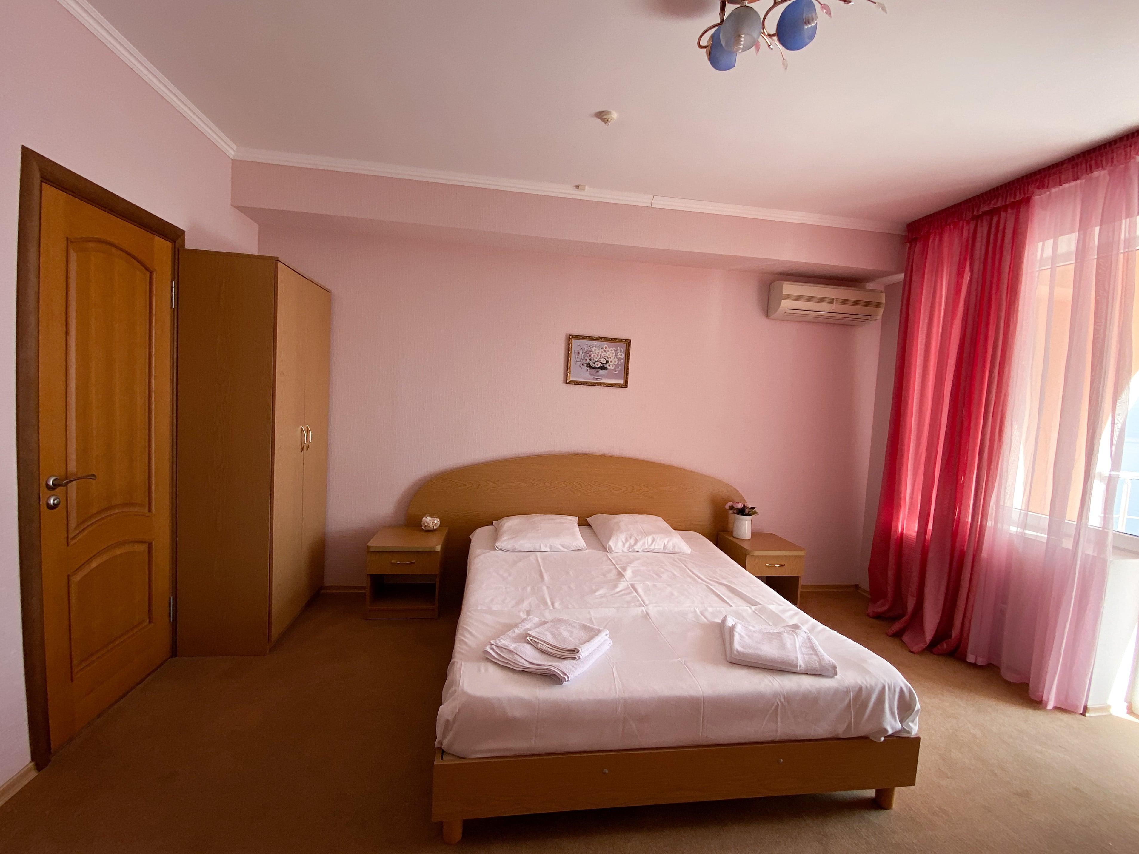 IMG 1839 scaled - LaVinya - гостиница в Профессорском уголке
