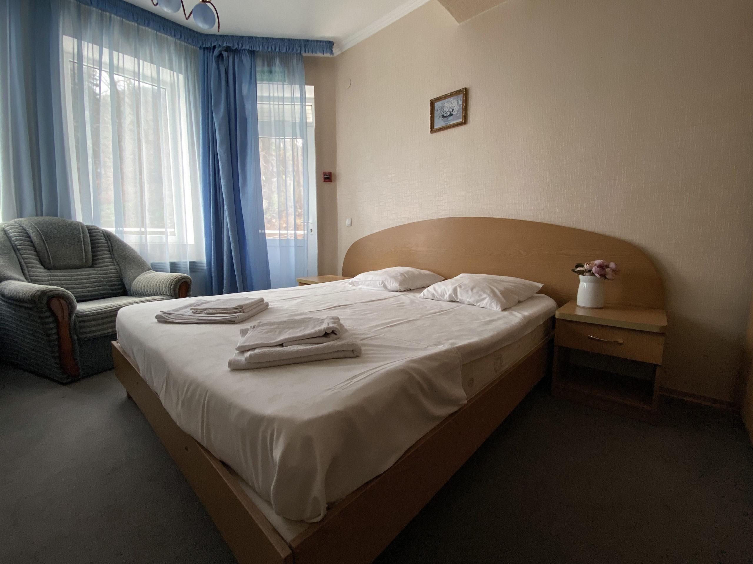 IMG 1937 scaled - LaVinya - гостиница в Профессорском уголке